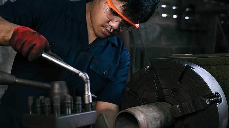 Worker in an industrial environement